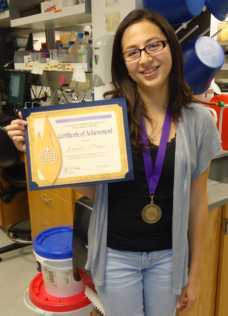 Microbiology Senior Wins Presentation Award