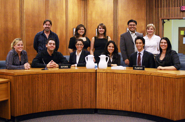 Mock Trial Shows Up at Showdown