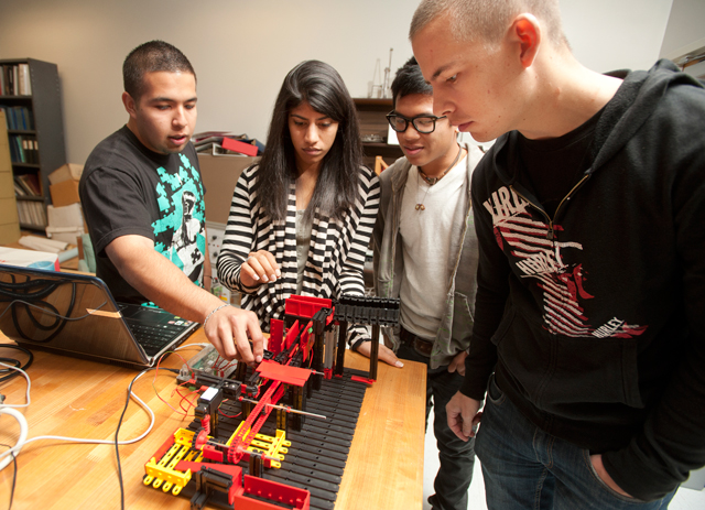 Engineering Ranked 8th Nationally for Hispanic Graduate Studies