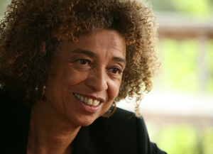 Angela Davis to Address Education and Incarceration