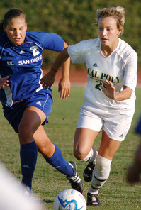 Cody McClure makes her way upfield during the Bronco's CCAA match against UC San Diego October 6, 2006.