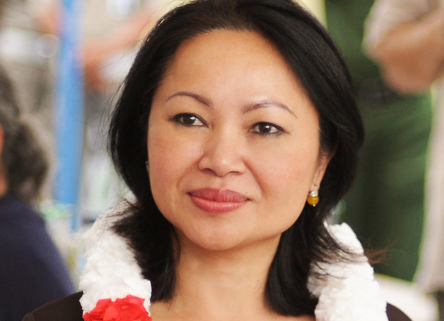 Alumna Debuts Book on Life as Vietnamese Refugee