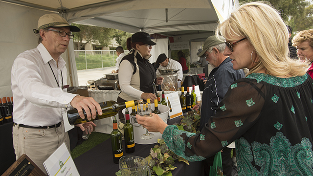 Tapena Wines were served at the 2013 Southern California Tasting & Auction.