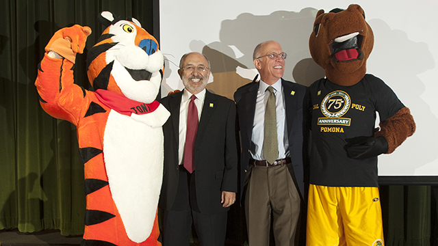 Sterling Speirn, CEO of the W.K. Kellogg Foundation, and Cal Poly Pomona President Michael Ortiz pose with Tony the Tiger and Billy Bronco during the 2013 Fall Conference.