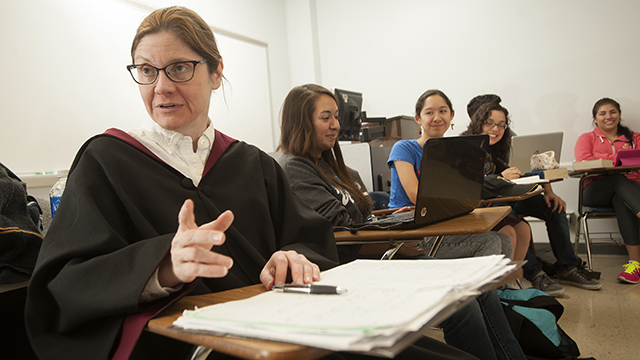 "Professor Melissa Aaron and her ""Harry Potter as Literature class"" at Cal Poly Pomona."