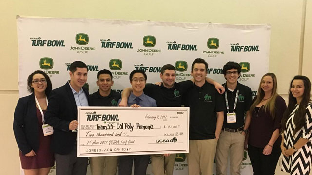 Team of Cal Poly Pomona at the Golf Course Superintendent Association of America's Collegiate Turf Bowl Competition.