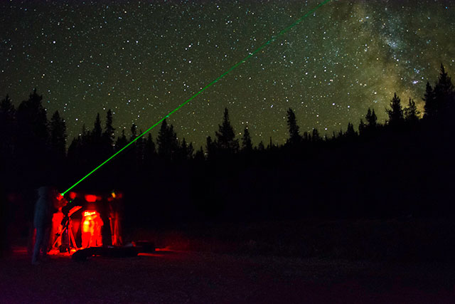 Cal Poly Pomona students viewing the night sky at Bull Trout Lake prior to the eclipse. Photo: Christopher Mendoza.