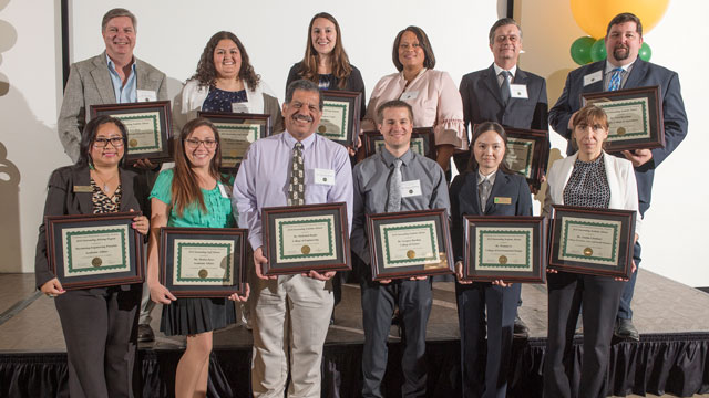 Outstanding Advisors Recognized at Annual Ceremony