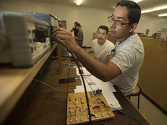 Electrical Engineering Lab